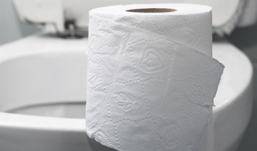 Papel Higiênico no Vaso Sanitário